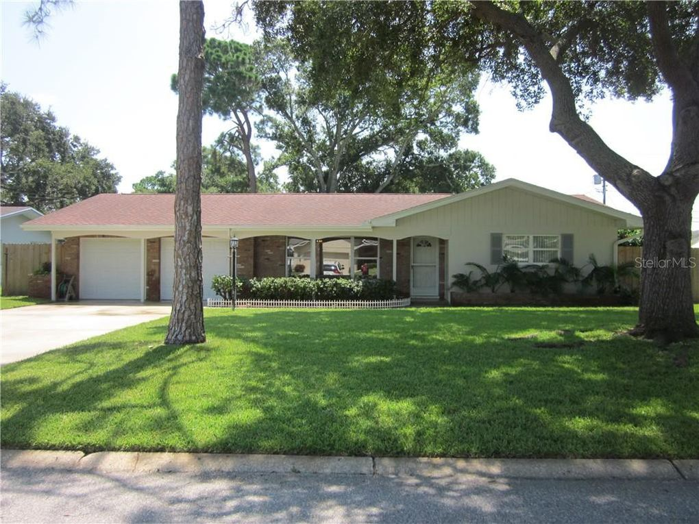 1373 Viewtop Dr Clearwater, FL 33764