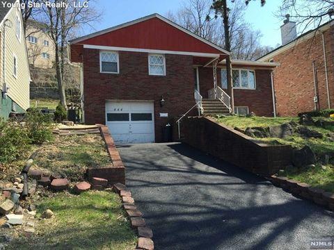444 Oak St, Ridgefield, NJ 07657