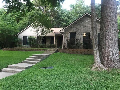 Photo of 913 Broadmoor Dr, Huntsville, TX 77340