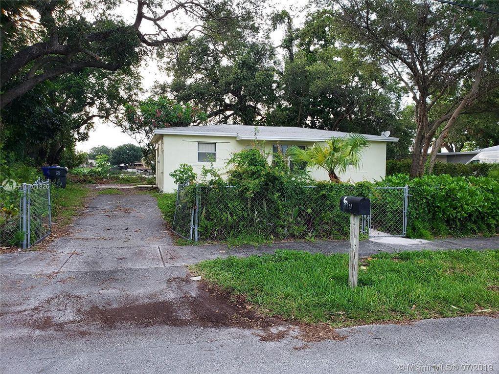 4261 SW 32nd St West Park, FL 33023