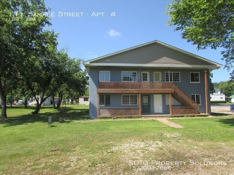 Photo of 111 Sample St Apt 4, Marble Hill, MO 63764