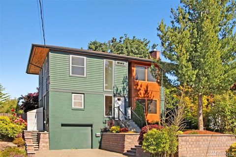 Photo of 4024 54th Ave Sw, West Seattle, WA 98116