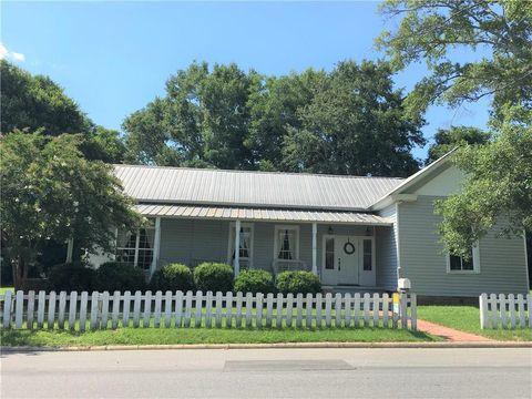 Photo of 10141 Tuskegee St, Notasulga, AL 36866