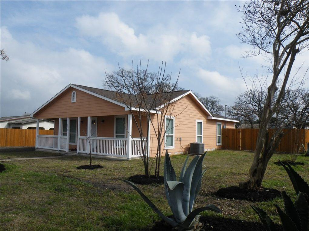 712 N Harris St, Giddings, TX 78942
