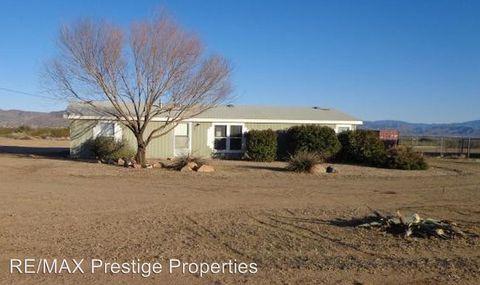 Photo of 924 S Tonto Rd, Golden Valley, AZ 86413
