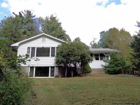 159 Cooper Lake Rd, Bearsville, NY 12409