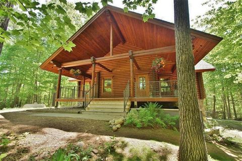 Photo of 47990 Blue Moon Rd, Drummond, WI 54832