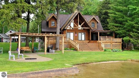 Photo of 1674 Eagle Point Dr, Grayling, MI 49738