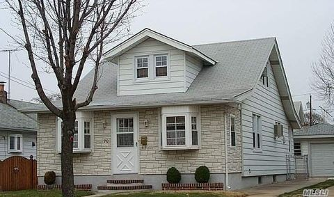 Photo of 70 Westbury Ave, Mineola, NY 11501