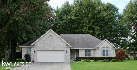 Fine 48062 Real Estate Homes For Sale Realtor Com Home Interior And Landscaping Ologienasavecom
