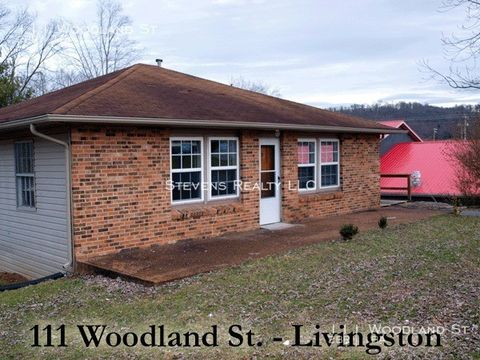 Photo of 111 Woodland St, Livingston, TN 38570