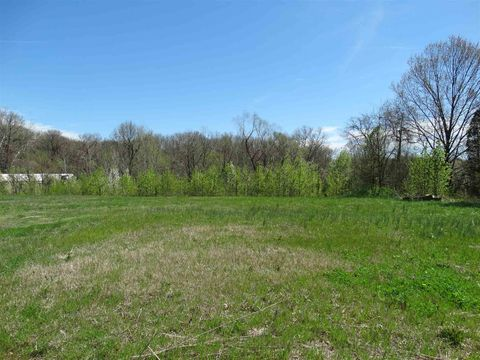 Photo of 7148 W State Road 66 Rd, Newburgh, IN 47630