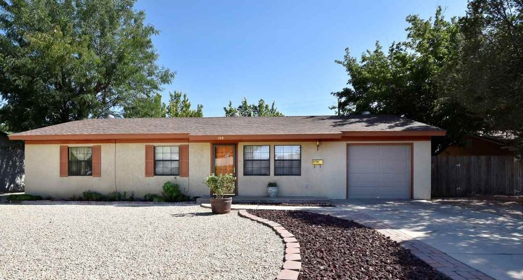 104 Calle Del Sol Roswell, NM 88201
