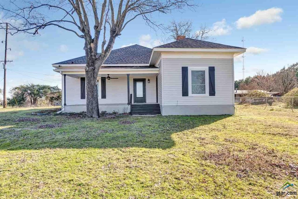 424 County Road 3914 Bullard, TX 75757