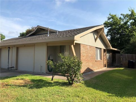 Photo of 1707 Lawyer St Apt A, College Station, TX 77840