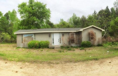 120 W 12th Ave, Pitts, GA 31072