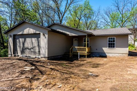323 Mc Knight Ave, West Fork, AR 72774