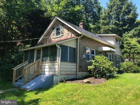 2962 Harmonyville Rd, Elverson, PA 19520