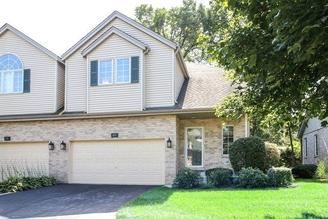 65 Charlemagne Cir, Roselle, IL 60172