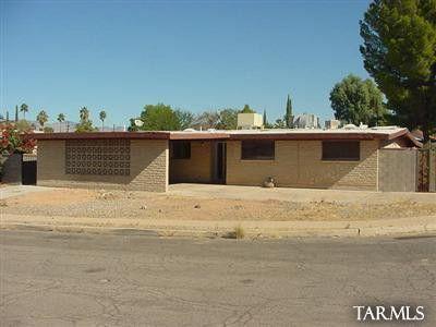 Photo of 1633 S Augusta Pl, Tucson, AZ 85710