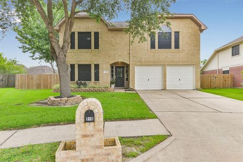 Photo of 918 Chase Creek Cir, Bacliff, TX 77518