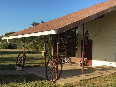 1342 Four Corners Rd, West, TX 76691