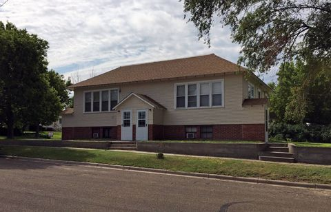 104 W Third St, Saint Francis, KS 67756