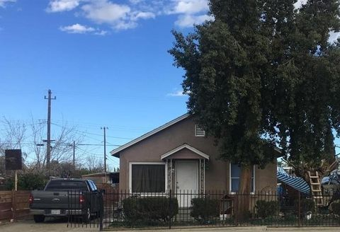 713 S 7th Ave, Avenal, CA 93204