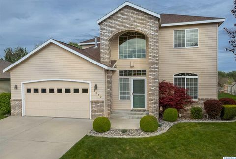 Photo of 1649 Venus Cir, Richland, WA 99352