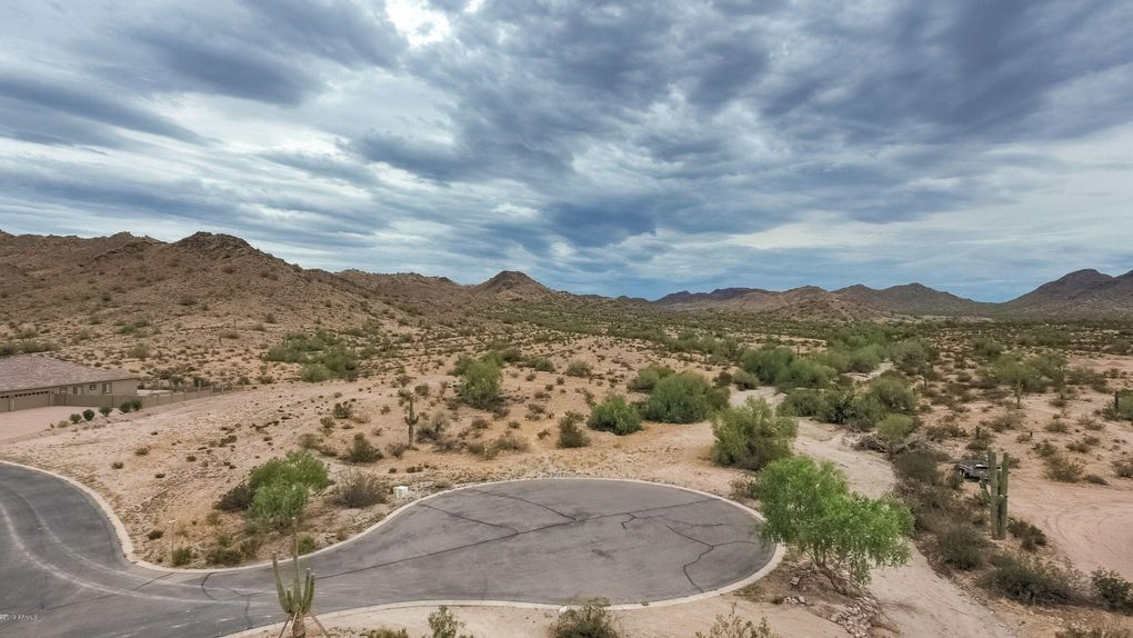 33948 N Paseo Grande Dr Lot 8 Queen Creek, AZ 85142