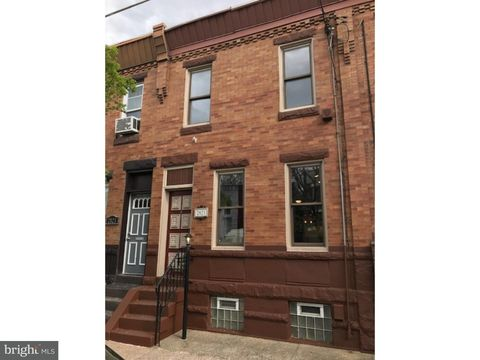 Philadelphia, PA Homes With Special Features