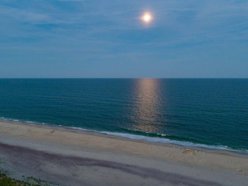 102 Dune Rd, Westhampton Beach, NY 11978