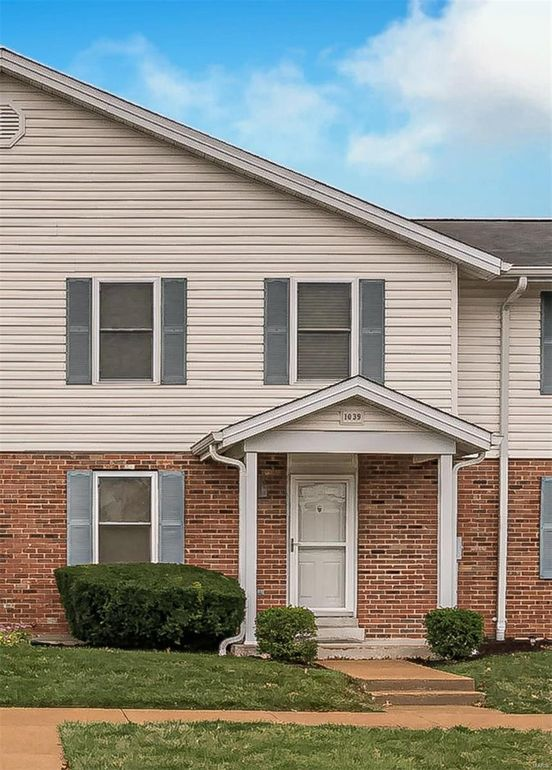 1039 Hidden Ridge Trl Valley Park, MO 63088