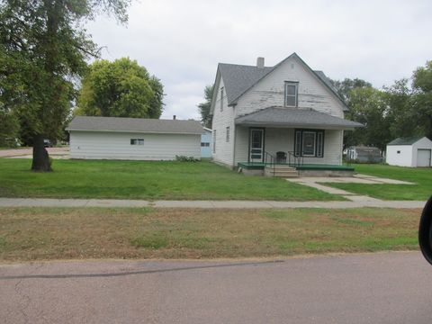 Photo of 302 Fourth St, Geddes, SD 57342