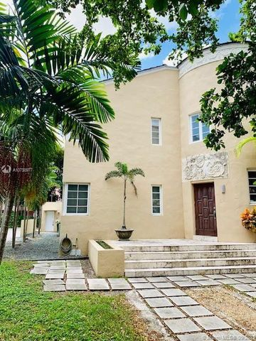 Photo of 30 Calabria Ave Unit 30, Coral Gables, FL 33134