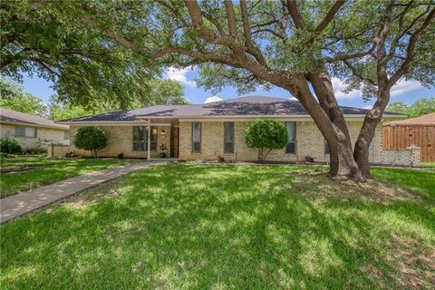 Photo of 1121 College Pkwy, Lewisville, TX 75077