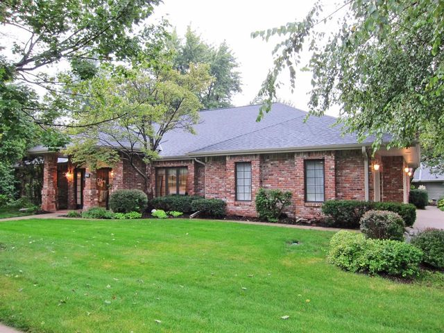 841 Coachmans Dr Lincoln Ne 68510 Home For Sale Amp Real