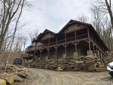 Photo of 1543 Grouse Moor Dr, Banner Elk, NC 28604