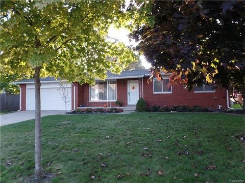 39031 Augusta Ave, Sterling Heights, MI 48313