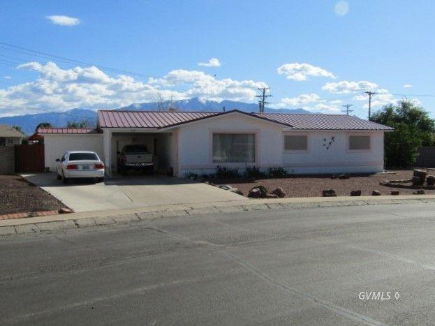 828 W Stirrup Dr, Safford, AZ 85546