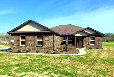 Photo of 223 Masters Way, Fayetteville, TN 37334