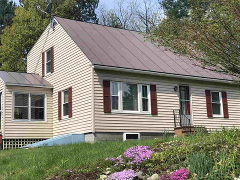 Photo of 1223 County Rd, Windsor, VT 05089