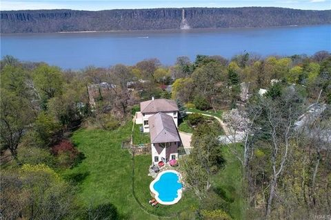 Photo of 150 Pinecrest Dr, Hastings On Hudson, NY 10706