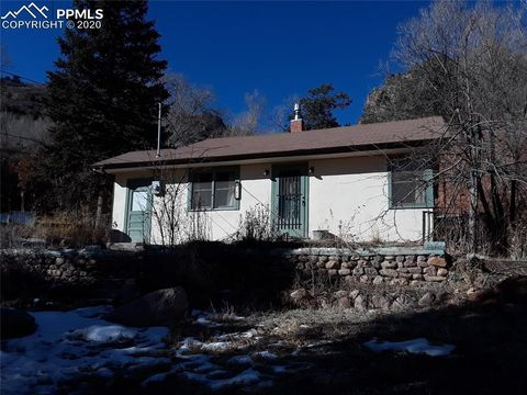 Photo of 388 Pilot Knob Ave, Manitou Springs, CO 80829