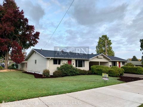 Photo of 3590 Hilyard St, Eugene, OR 97405