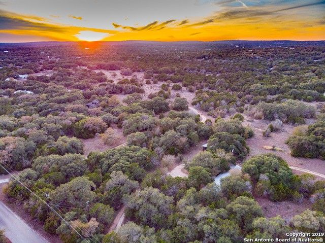 521 Oakwood Loop San Marcos, TX 78666