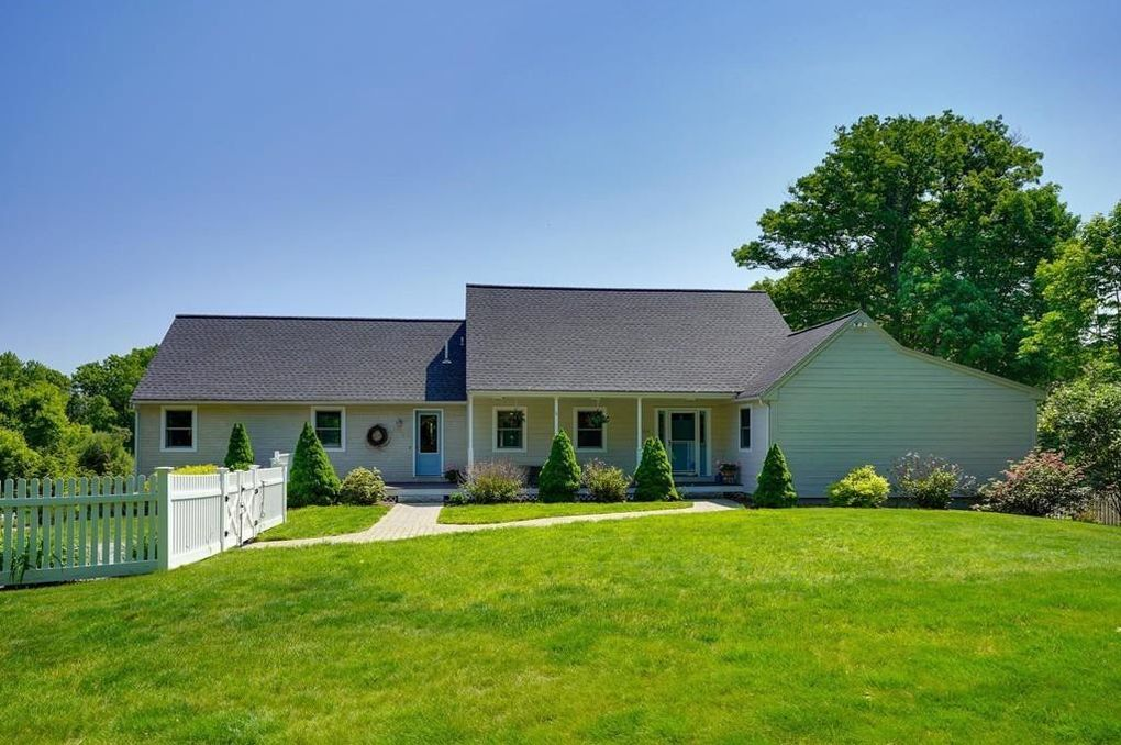 344 Norfolk St Holliston, MA 01746