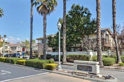 Photo of 300 Ribbonwood Ave, San Jose, CA 95123