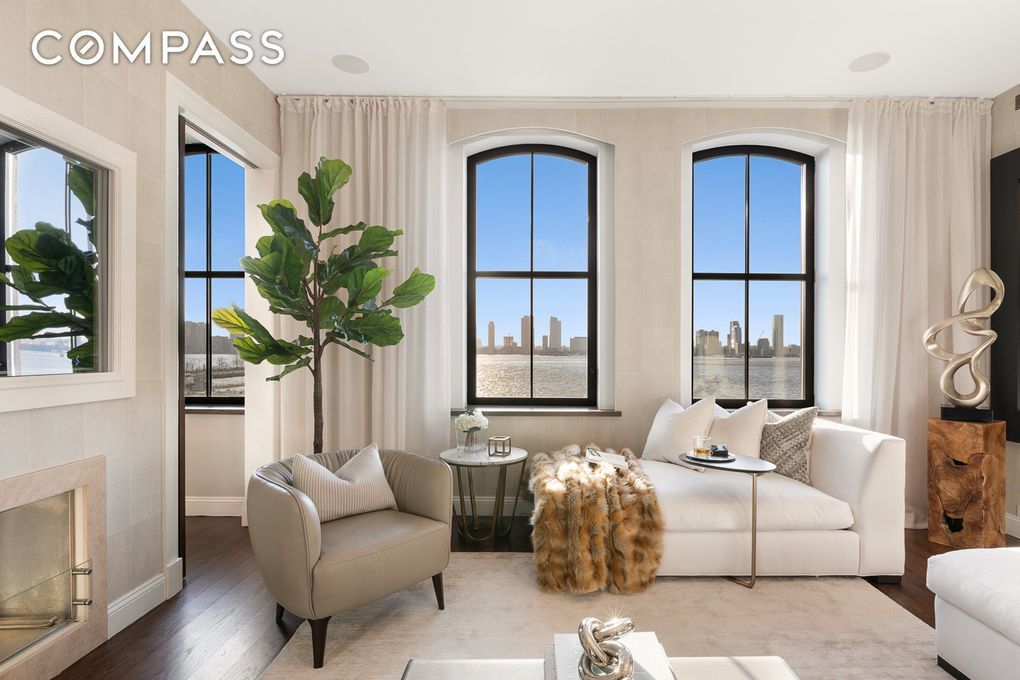 250 West St Apt 4 C, New York, NY 10013