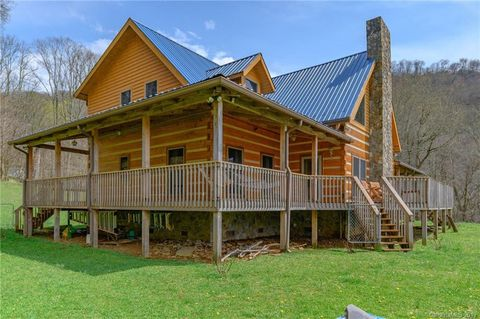 Photo of 8051 Nc 261 Rd, Bakersville, NC 28705